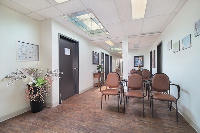 Bureau frais partages a louer salle attente halles sainte foy