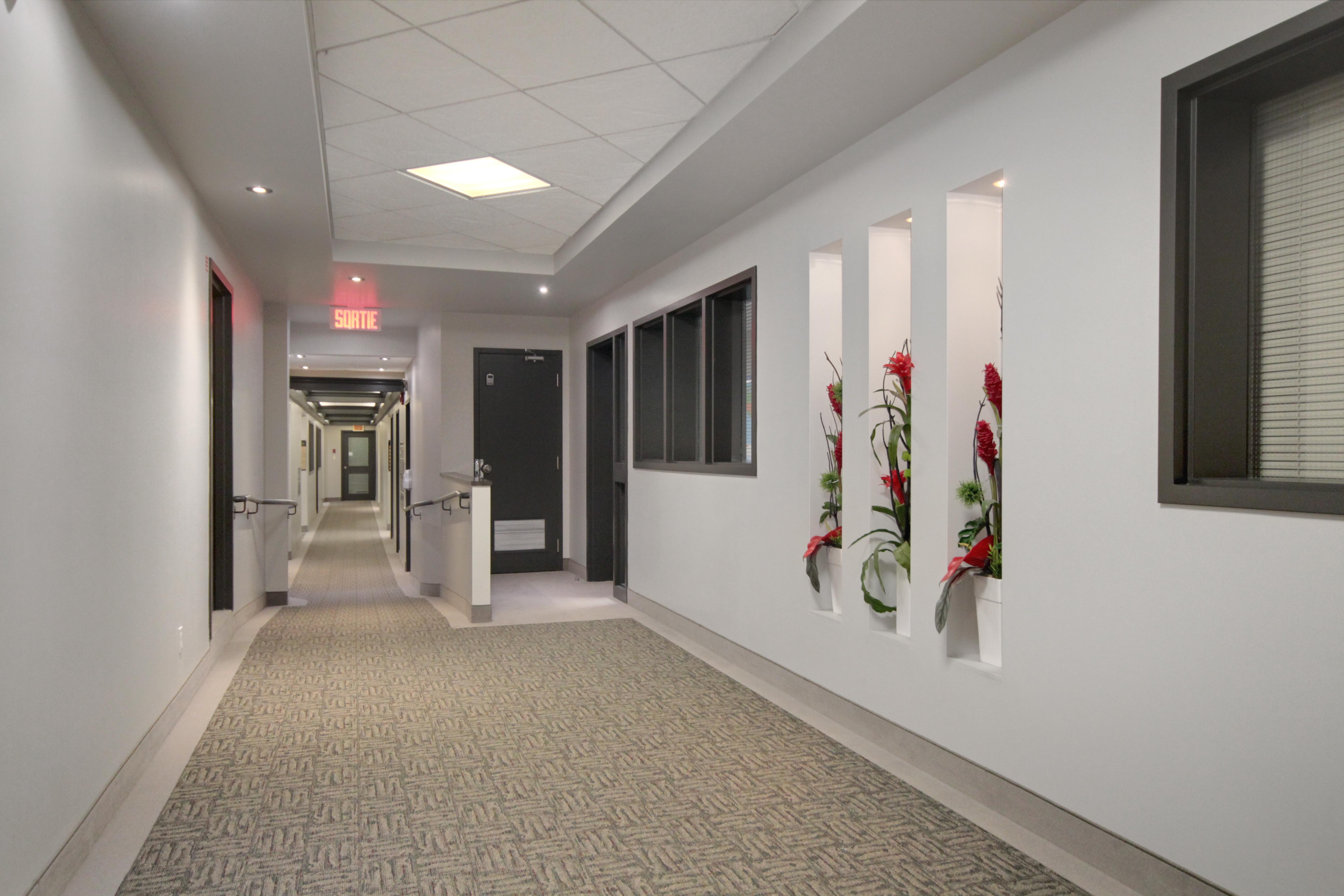 Centre d'affaires Charest, rez-de-chaussée - Immeubles Simard